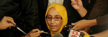 Aminetu Haidar pone en jaque a la diplomacia española con su valentía